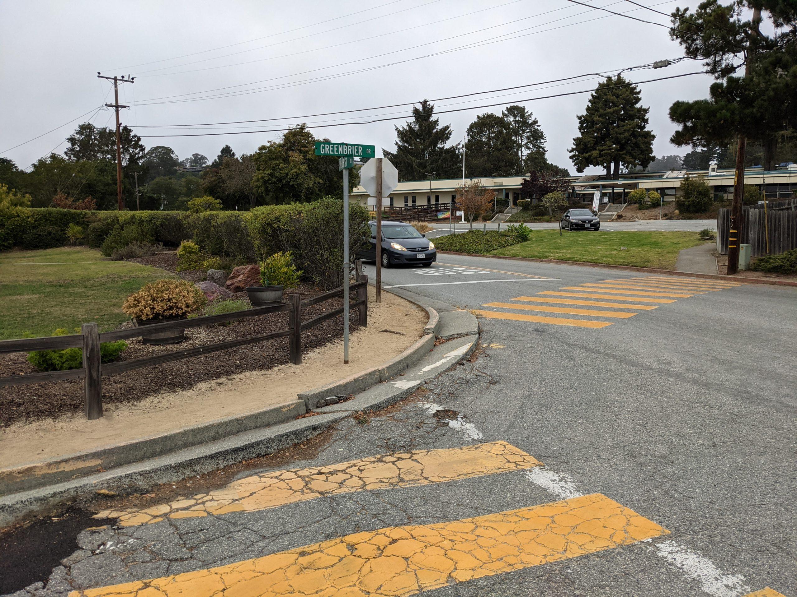 Some roads near Rio Del Mar Elementary School have sidewalks, others don't. (Stephen Baxter — Santa Cruz Local)